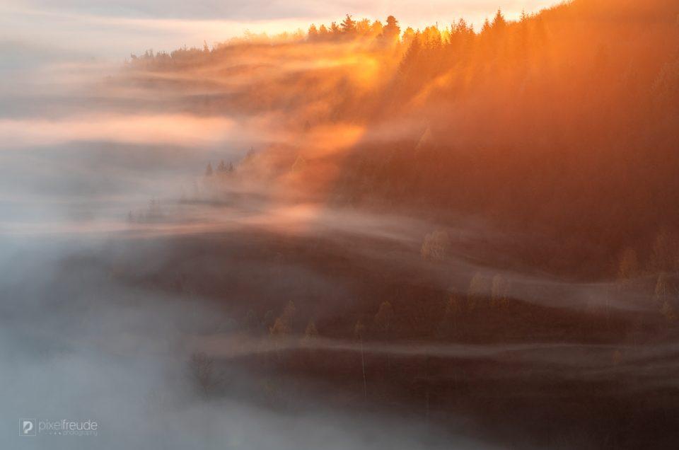 Glühender Nebel